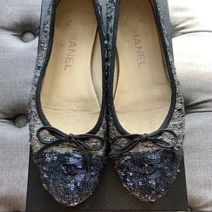 Chanel ballet flats with tweed and sequined captoe